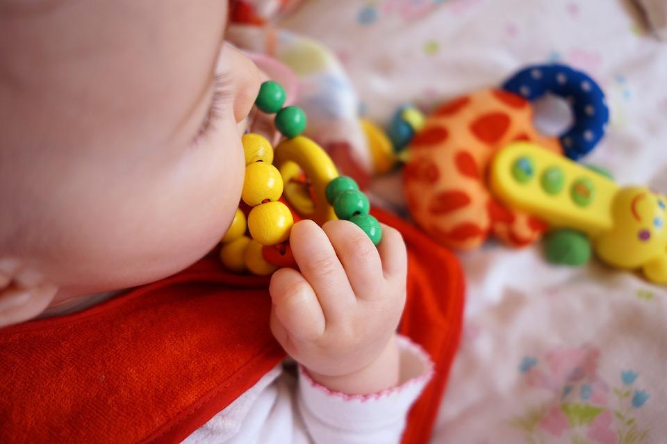 Что должен уметь делать ребенок в 6 месяцев