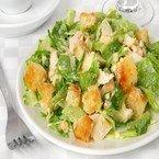 Салат «Цезарь», приготовленный в домашних условиях, покорит вашу семью