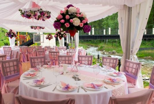 Самостоятельное украшение свадебного зала