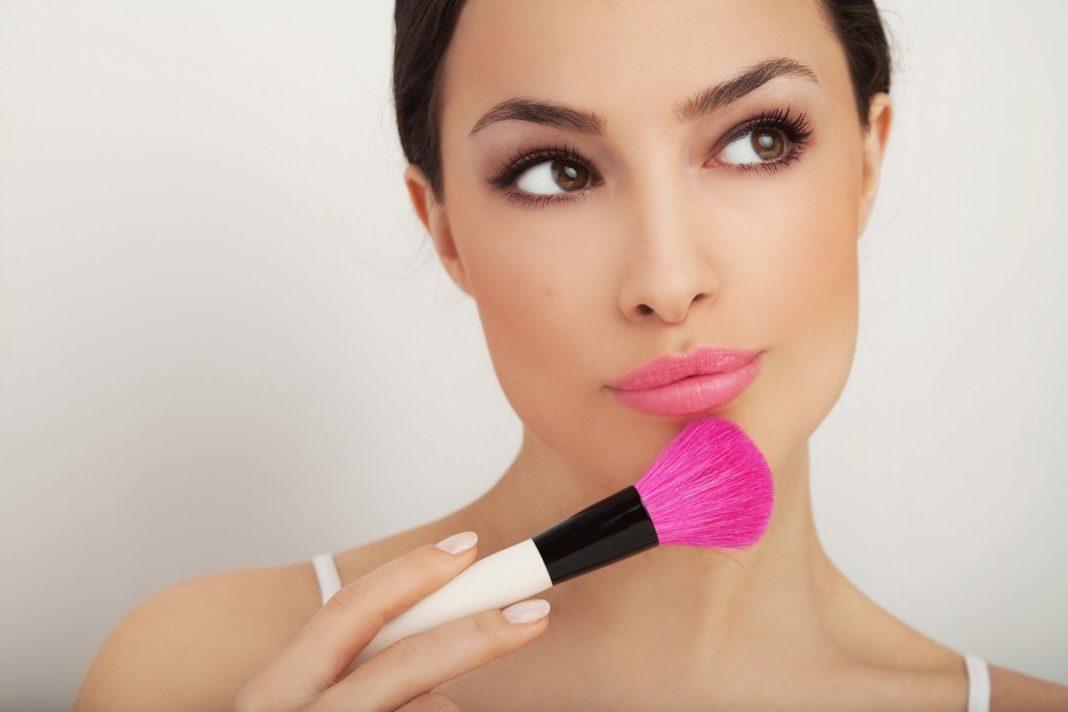 Правильный макияж домашних условиях